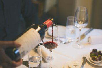 Wijn inschenken bij Florent